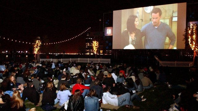 A crowd of people watched the final episode of Friends in Hudson River Park in New York in May 2004