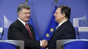 Ukrainian President Petro Poroshenko has urged the EU to take stronger action against Russia