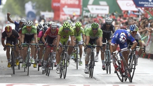 Nacer Bouhanni (blue) wins a desperate finish to stage eight of the Vuelta a Espana in Albacete