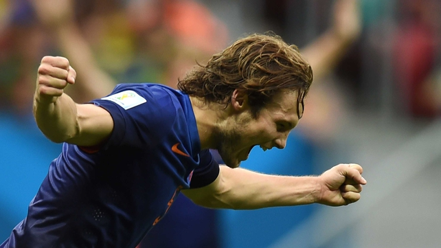 Daley Blind has signed a four-year deal with an option of a fifth year