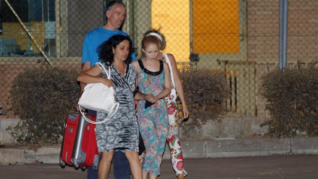 Brett and Naghmeh King (L) leaving the Soto del Real prison yesterday