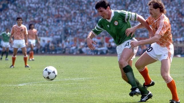 Frank Stapleton in action for Ireland in Euro 88