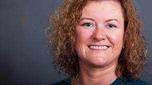 Máirín Ní Ghadhra, RTÉ Raidió na Gaeltachta.