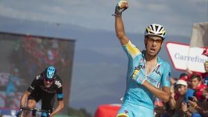 Fabio Aru celebrates his stage win