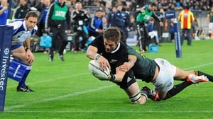 Richie McCaw scored a vital try for New Zealand