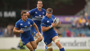 Jamie Heaslip in action for Leinster, supported by Jimmy Gopperth