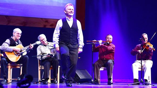 Kevin Doyle performs at the 2013 NEA National Heritage Fellowships Concert (Pic: Tom Pich, courtesy of NEA)