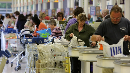 Tesco said it had outperformed its UK rivals after enjoying the biggest ever day of UK food sales in its history