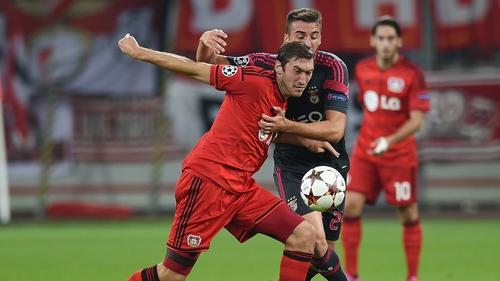 Benfica's Bryan Cristante (right) and Leverkusen midfielder Stefan Reinartz vie for the ball
