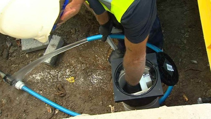 Government to delay water charges until after Christmas