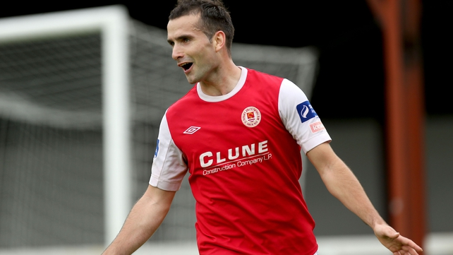 Defeat to Dundalk likely to end Saints title hopes