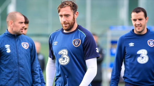 Richard Keogh could join John O'Shea (R) in the Ireland central defence against Scotland
