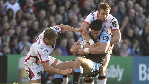 Ulster's Tommy Bowe wraps up Glasgow's Sean Maitland