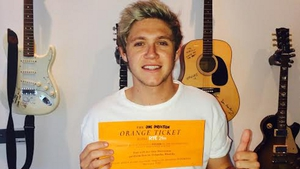 Niall Horan with the Orange Ticket!