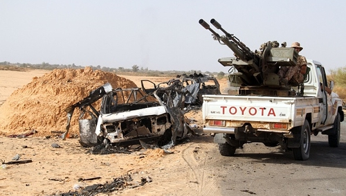 Fighting between Islamic militant groups and pro-government forces has killed dozens of people