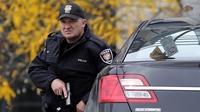 Gunman shot dead after killing Canadian soldier