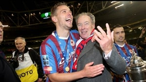Former St Pat's manager Brian Kerr with captain Ger O'Brien