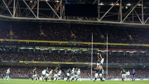 Ireland and South Africa contest a line-out