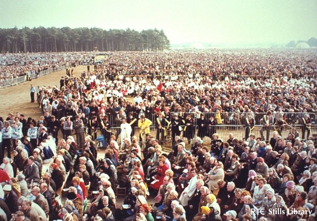 Crowds at the Papal Mass in the Phoenix Park (1979)