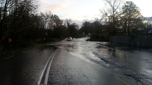Motorists faced with challenging conditions near Duleek, Co Meath (Pic: Ian Armstrong)