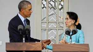 Aung San Suu Kyi met US President Barack Obama at her home