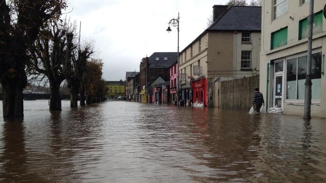 Sandbags outside homes and businesses in Enniscorthy after the River Slaney burst its banks (Pic: @hilitetv)