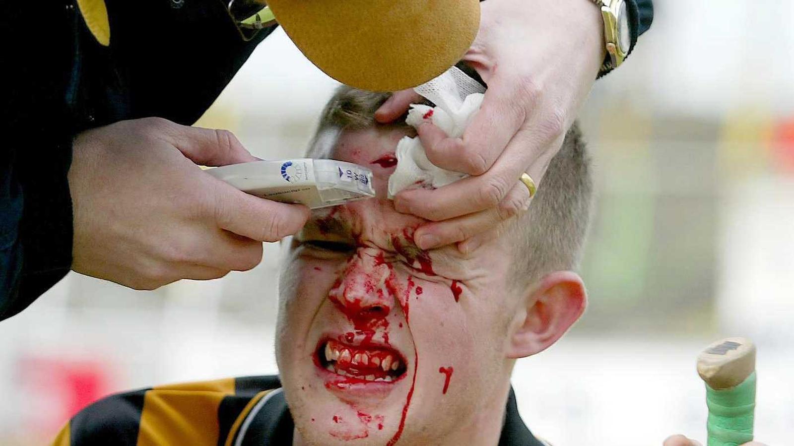Image - Kilkenny hurler Tommy Walsh gets stapled up