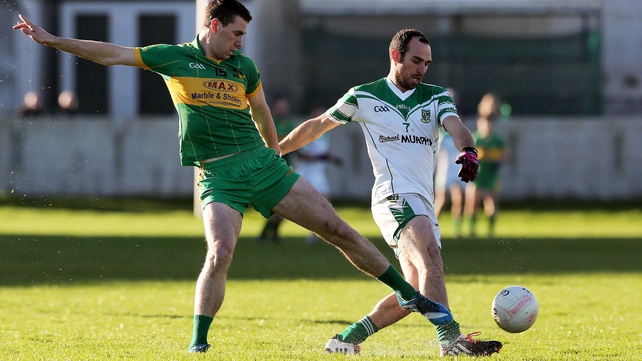 Rhode dismiss Moorefield to book final place