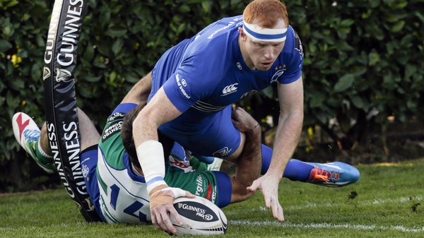 Leinster's Darragh Fanning scores a try