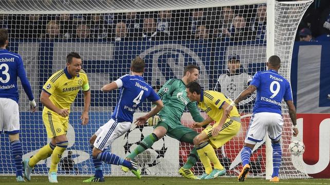 Chelsea qualify for Champions League last 16