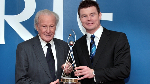 Dr Kyle received the RTE Sport/Irish Sports Council Hall of Fame in 2011 award
