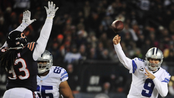 Tony Romo (R) threw three touchdown passes