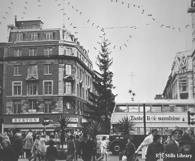 Christmas Lights O'Connell Street (1971)