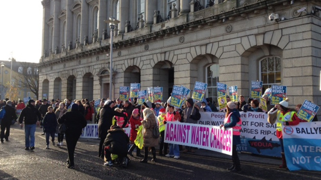 Protesters at Heuston Station on their way into Dublin city centre