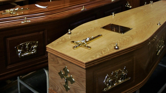 Calls for more people to be allowed to attend funerals