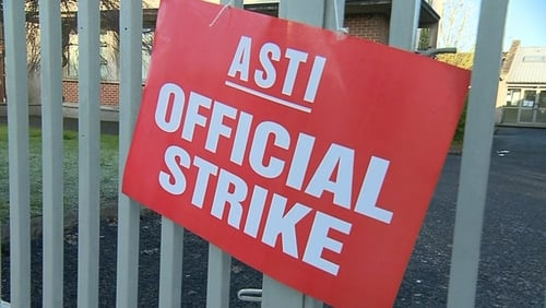 Around 27,000 post-primary teachers engaged in strike action on 2 December