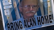 Alan Goss a saoradh ó phríosún i gCúba mar chomhartha dea-thola idir Stáit Aontaithe Mheiriceá agus Cúba.