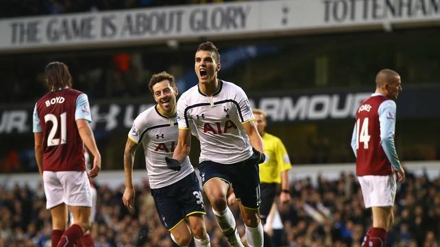 Lamela ends goal drought in Tottenham victory