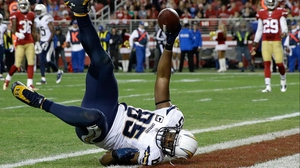 Antonio Gates #85 of the San Diego Chargers catches a 21-yard touchdown