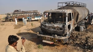 The bus was en route from Karachi to Shikarpur when the vehicles crashed head-on