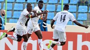 Mali's midfielder Bakary Sako (C) celebrates after giving Mali the lead