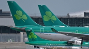 Aer Lingus carried a total of 923,000 passengers last month, including those on its regional operations