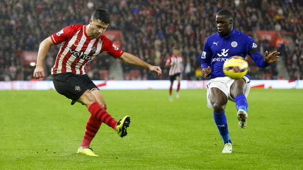 Fractured ribs could keep Shane Long out of action until mid-March