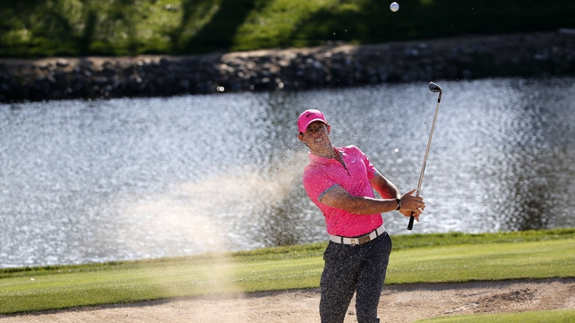 Rory McIlroy hits the front in Dubai