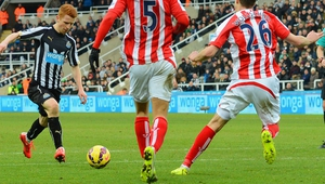 Jack Colback shoots to put Newcastle in front