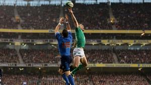 France's Scott Spedding and Ireland's Tommy Bowe contest a high ball at Aviva Stadium