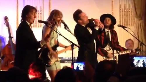 McCartney, Swift and Fallon Shake It Off