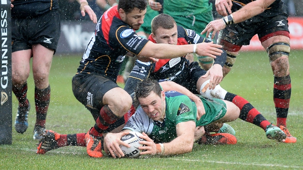 Connacht's Craig Ronaldson scores his side's first try