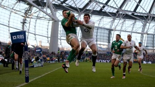 Robbie Henshaw scored a vital try when Ireland beat England in last season's tie