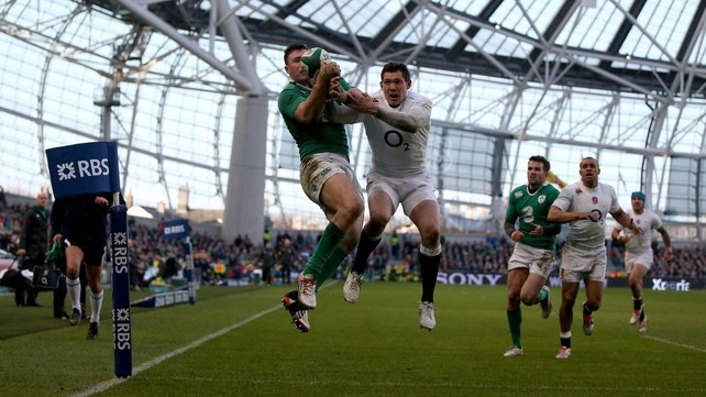 Ireland stay unbeaten after tough win over England